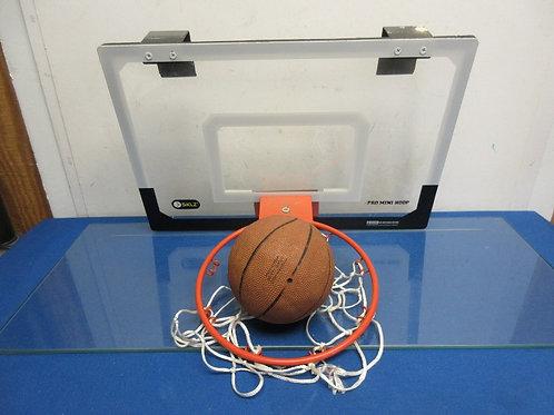 Skilz over the door basketball hoop with plexiglass backboard & basketball