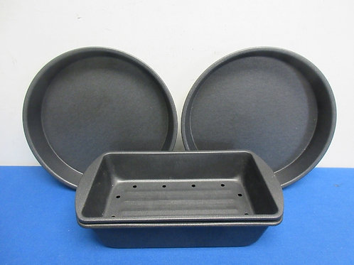 Pair of round cake pans and drainage loaf pan