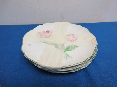 Set of 3 sandwich plates with floral design