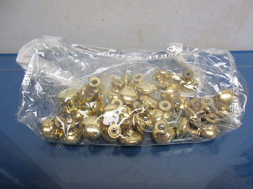 Bag of 30 gold knobs for drawers - do not have all screws