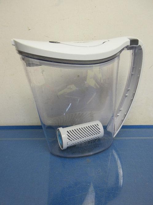 Brita half gallon filtered pitcher, no filters