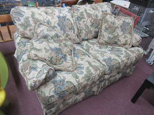 """Floral love seat with 2 throw pillows, 60"""" long"""