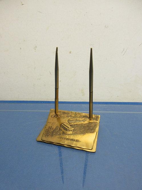 Bronze desk top pen holders - Pittsburgh incline design - the pens don't work