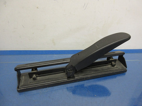 Acco adjustable 3 hole puncher