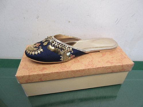 Navy & gold size 8 women's slippers with beading design/New
