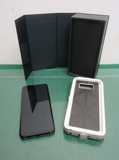 Samsung Galaxy S8 64GB w/case & box - great condition (no charger)