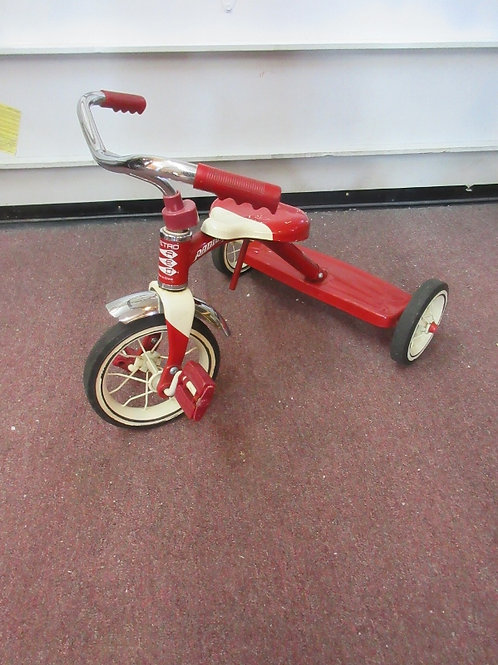 Radio Flyer retro all metal kids tricycle