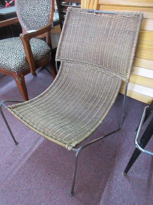 Metal frame wicker scoop style chair
