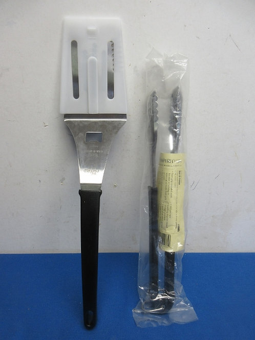Pair of pampered chef BBQ long handle utensils, spatula and tongs