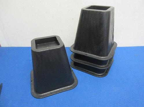 Set of 4 black bed risers