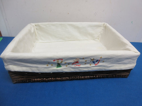 Large rectangular wicker basket with cloth liner, 12x16x4