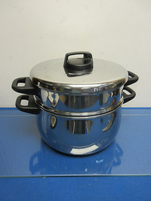 Cooks Essential stainless 6qt stock pot with strainer insert & stainless lid