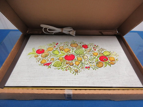 Electric warming tray with veggie design , in box