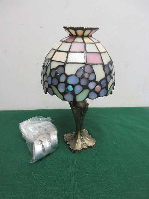 """CandlePower metal lamp with stained glass shade, 10.5"""" tall w/6 tealights"""
