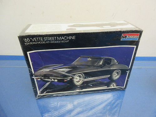 Monogram 65 Vette street machine model, sealed