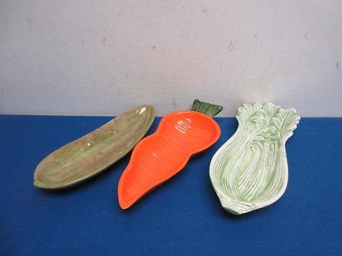 Set of 3 ceramic veggie shaped plates