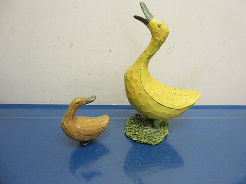 Set of 2 wood carved ducks-large yellow and small tan