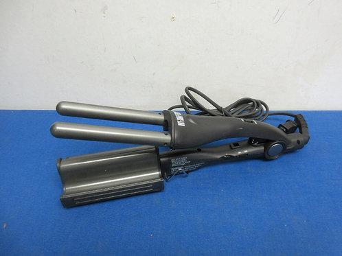Hot Shot Tools ceramic deep waver for waving hair