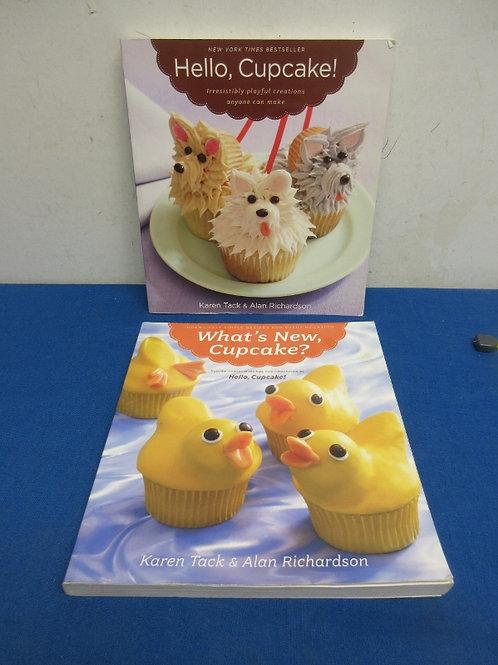 Set of 2 cupcake decorating books