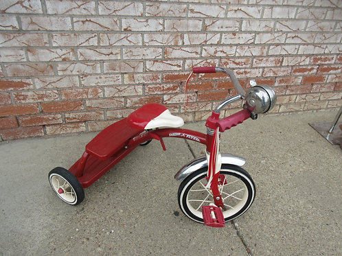 Radio flyer retro tricycle with bell