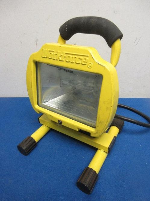 Workforce yellow worklight, Newer