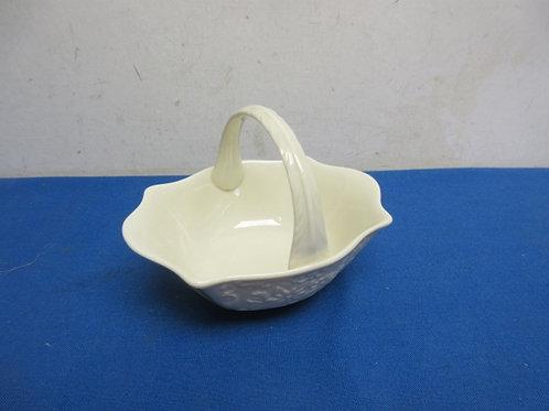 Small lenox basket dish with handle