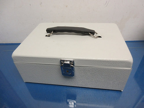 Locking gray metal cash box with lift out divided drawer and key