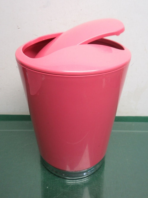 iDesign pink small  trash can with flip style lid