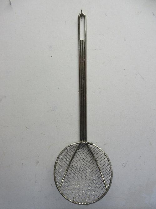Long handle deep fryer hot oil scoop