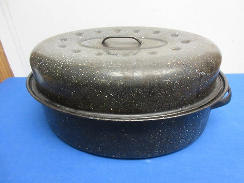 Large enamel over steel oval roasting pan with lid, some wear