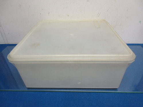 Tupperware large square container-great for storing cookies 12x12x5