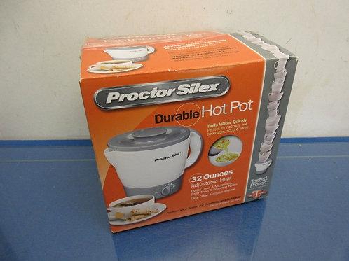 Proctor silex hot pot - 32oz - in box