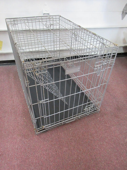 "Gray metal wire dog crate, with plastic tray, divider included 36x22x24""high"