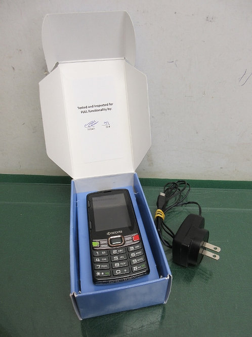 Kyocera small cell phone with slide out texting board and charging cord - works