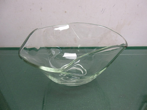 Large wavy design salad bowl