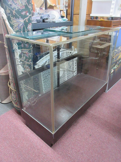 Commercial glass display case with glass shelves - 21x48x40