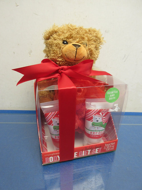 Teddy bear and body care gift set, 6 sets available
