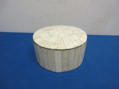 "Round ivory mosaic keepsake box - 7""dia x 3"""