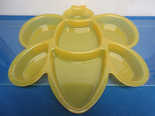 Yellow plastic butterfly shape 7 compartment condiment dish