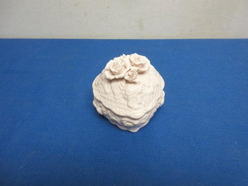 Heart shaped porcelain keepsake box
