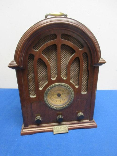 Thomas collectors edition antique wood frame radio