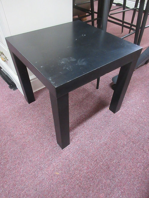 Black simple end table - some wear on top - 18x18