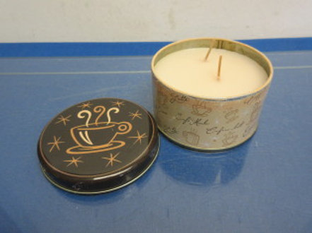 Cafe moca 2 wick candle in metal can with lid