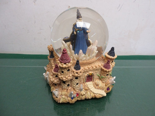 Wizard musical snow globe on a castle, plays Camelot