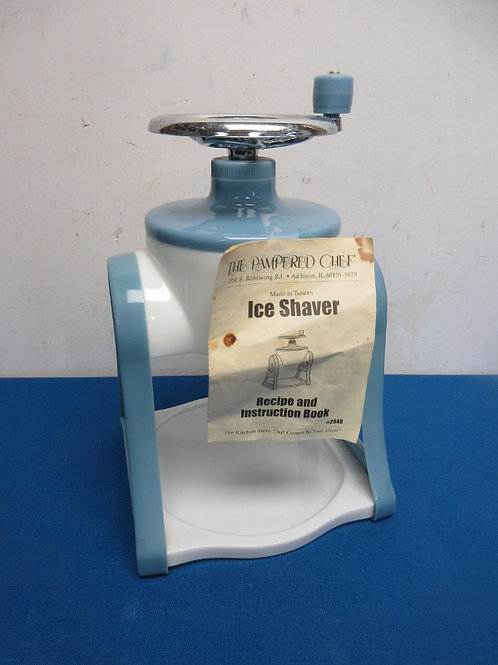 Pampered Chef manual ice shaver