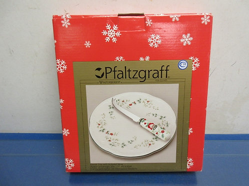 Pfaltzgraff winterberry cheese tray with knife, New in box