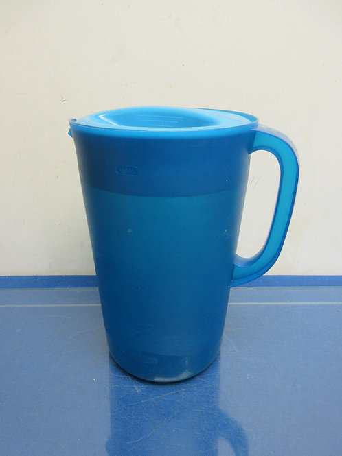 "Rubbermaid blue plastic pitcher with lid 10"" tall"