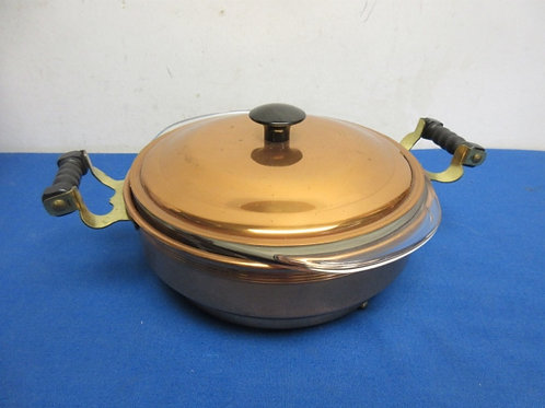 Copper round baker w/glass pyrex insert and lid
