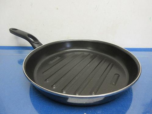 "Non stick black round grill fry pan, 10"" diameter"