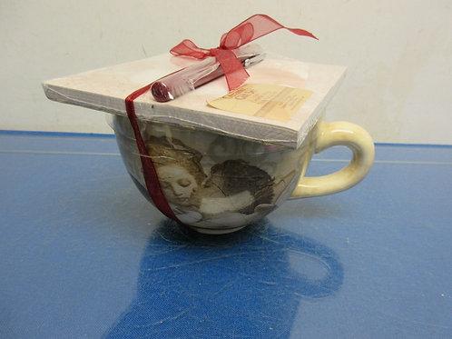 Ceramic gift set, soup mug, writing pad and pen